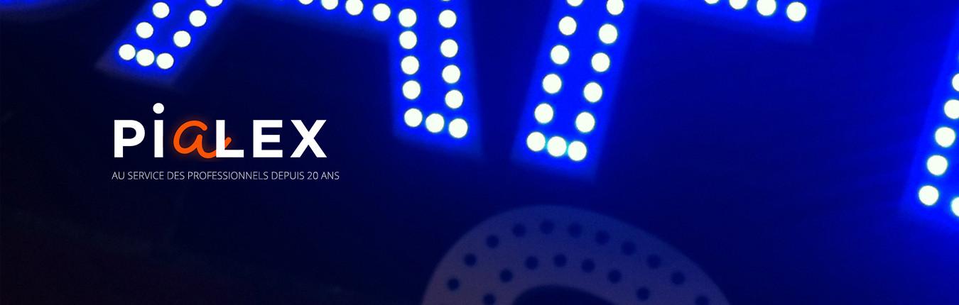 enseigne lumineuse éclairage point par point